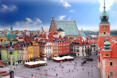 Warsaw_Old_Town_today.jpg