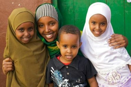 somali_family_smiling
